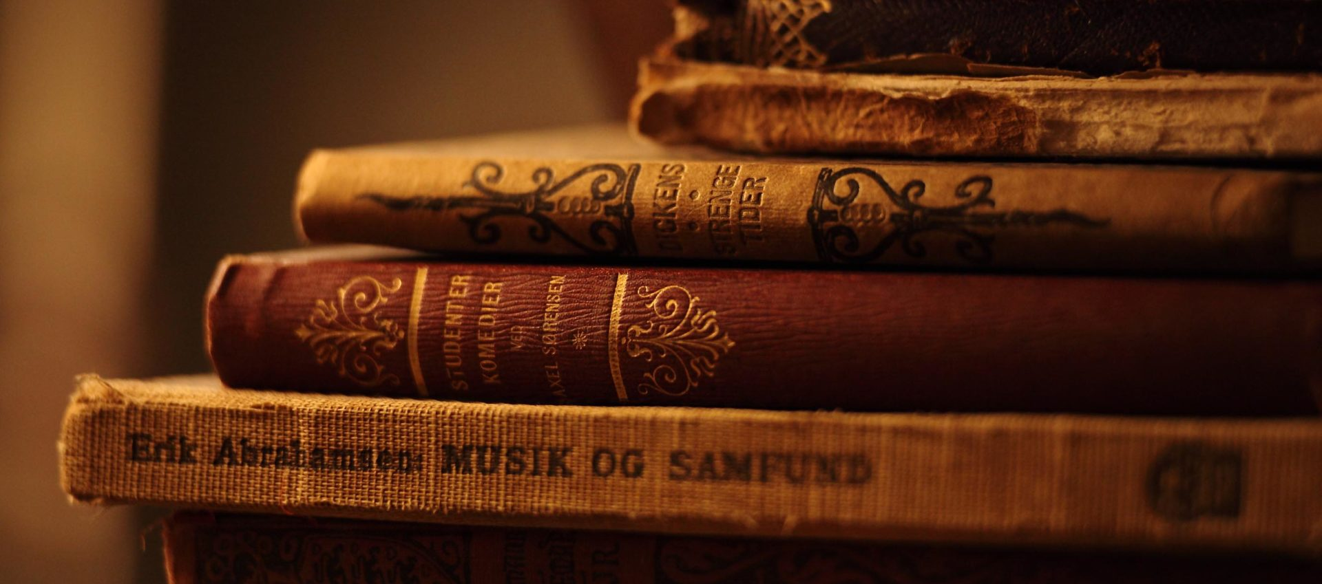 cropped-Amazing-Old-Book-Desktop-Wallpapers.jpg